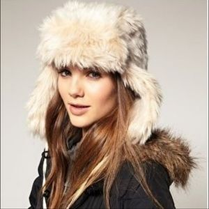 EUC AEO Faux Fur Trapper Hat